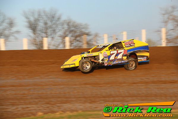 Ryan Schoeder WISSOTA Midwest Modified at River Cities Speedway